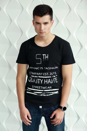 black t-shirt for men with short sleeve with white print in cotton
